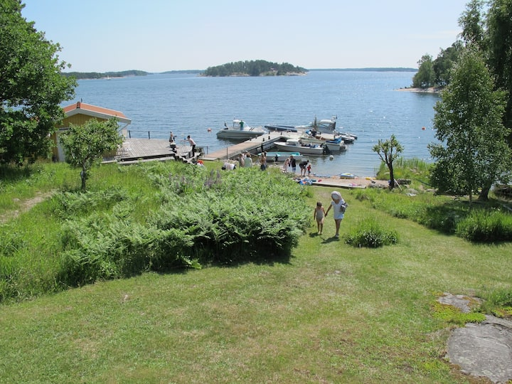 Beautiful seafront villa in Stockholms archipelago