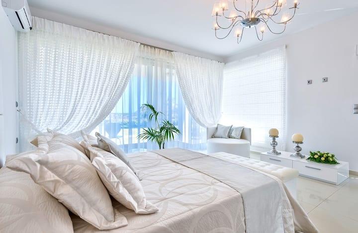 Ktima Reveli White Suite