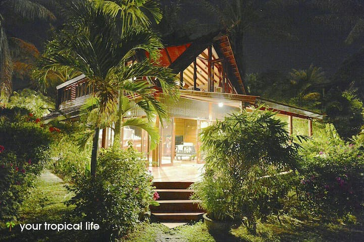 Beach Front Tropicana Villa  with Garden