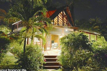 Beach Front Tropicana Villa  with Garden