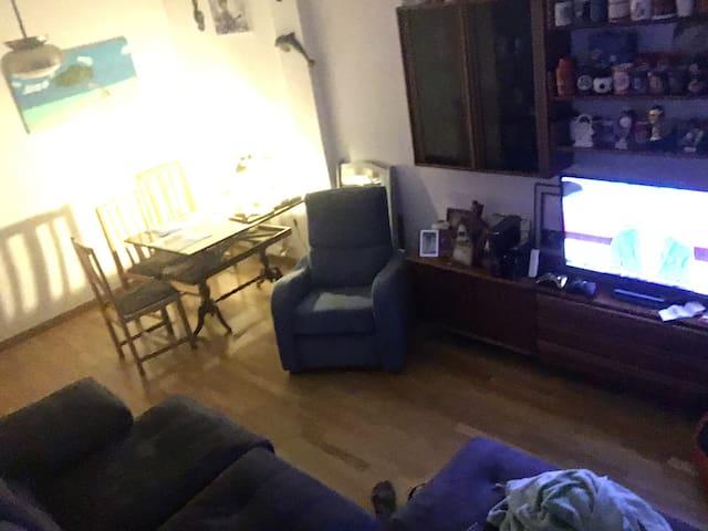 Habitación 13 min centro Metro line1/N numancia