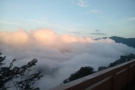 Amazing mountain terrace view room3 - Darjeeling