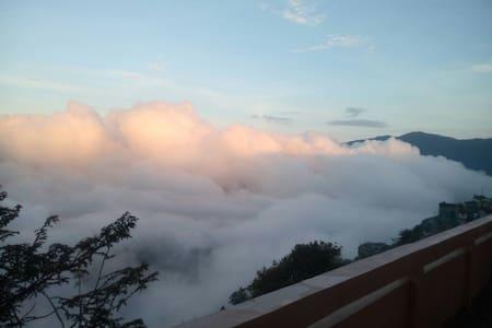 Amazing mountain terrace view room3 - Darjeeling - Talo