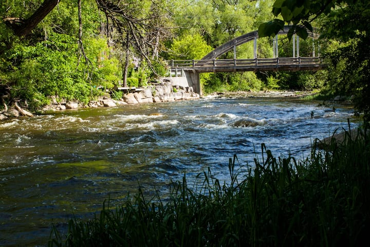 Beaver River Retreat Bed & Breakfast