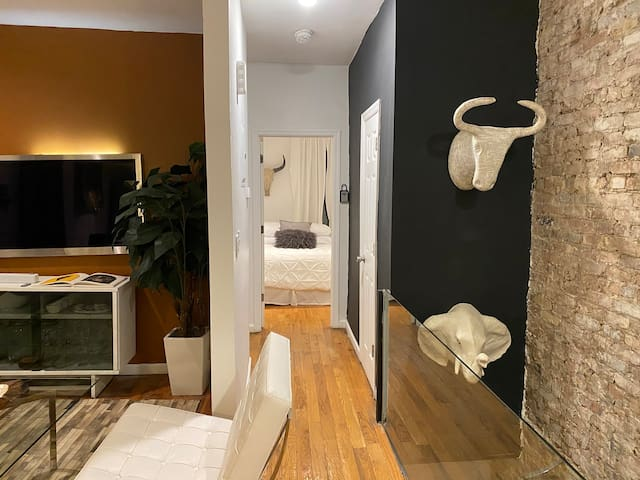Townhouse 25 to 30 minutes from JFK
