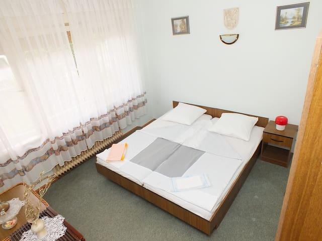 Rooms Biba Deluxe soba s bračnim krevetom - Karlovac - Casa de hóspedes