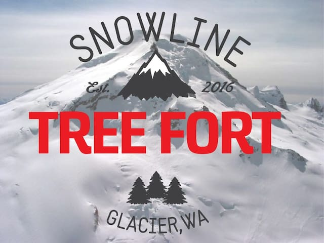 Tree-Fort Cabin Snowline (closest beds to Baker)
