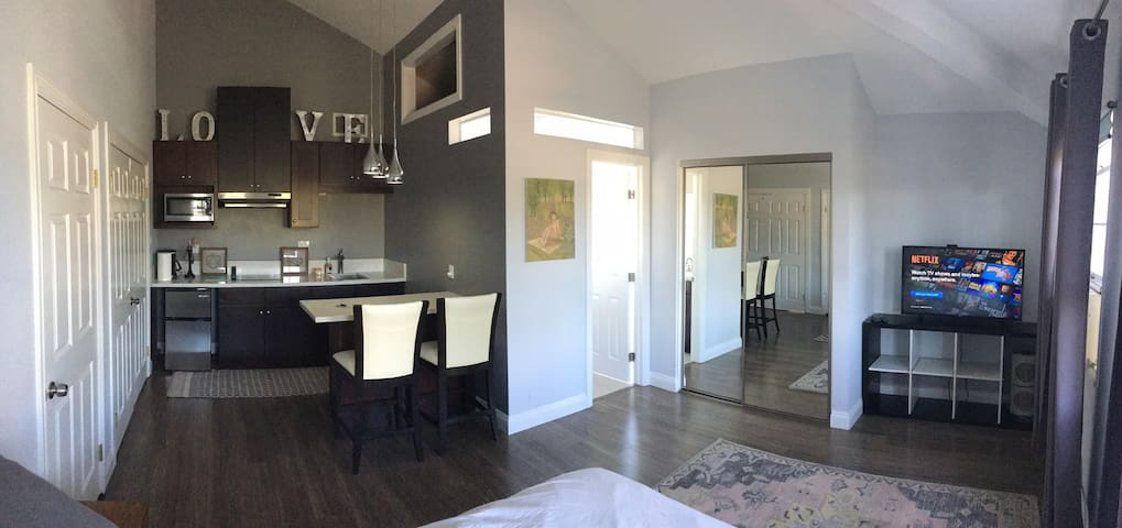 Private Cozy Studio w/ Kitchen - near Disneyland