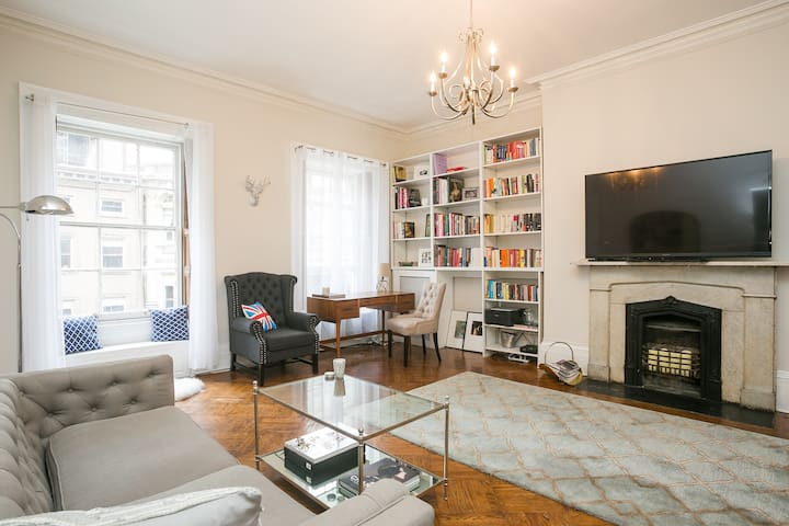 Charming 1BD Apt in Classy Union Sq Brownstone