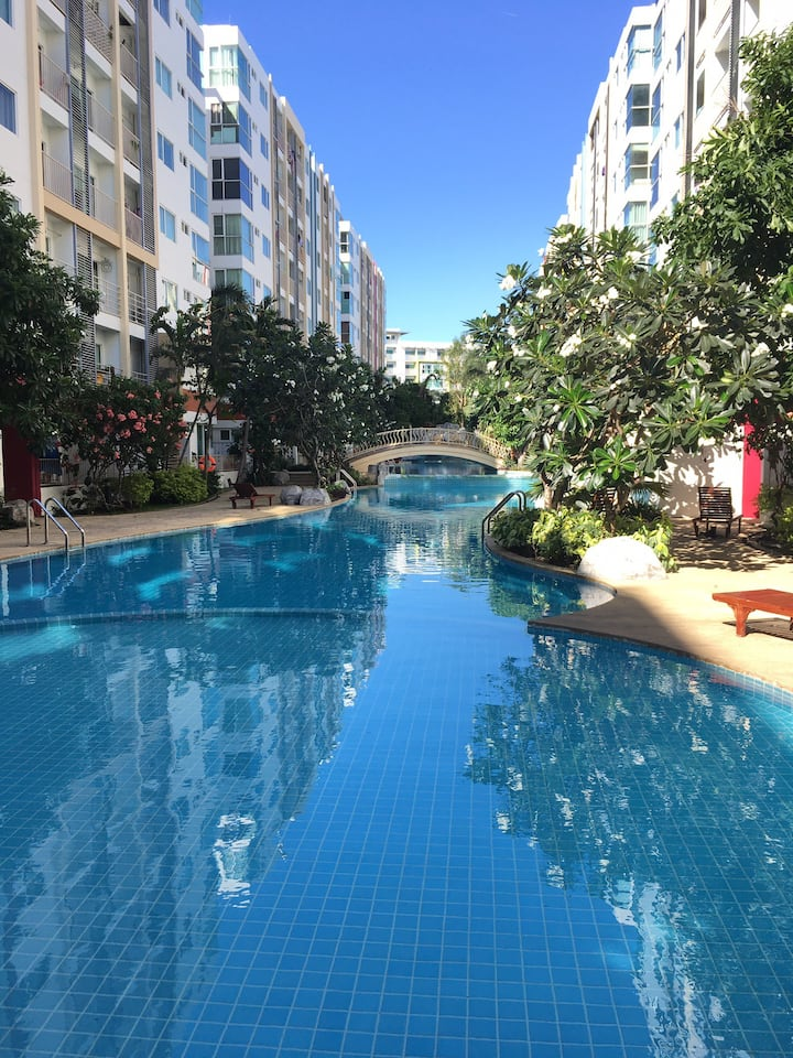 Resort ambience near CBD,BTS/MRT, mall, long stay