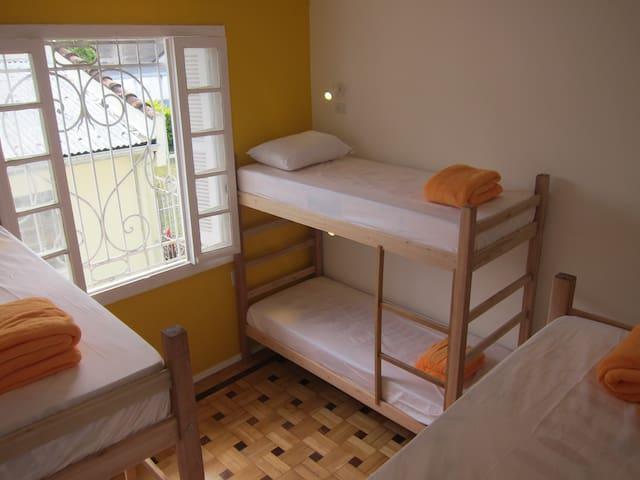 Great Hostel at the bohemian area! - Porto Alegre - Dorm