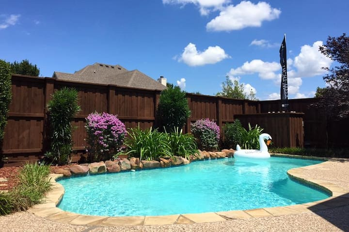 Private room in spacious 3 bedroom house - Frisco - Casa