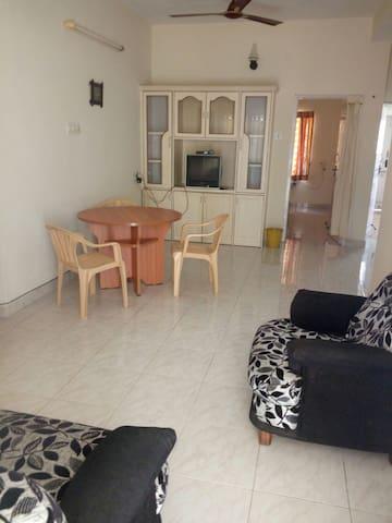 RJ Service Apartment First Floor