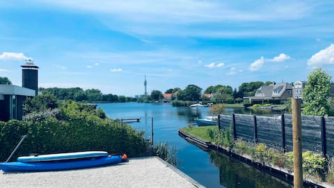 Modern studio (2019), water view, solar powered