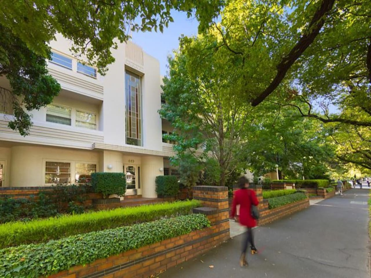 Luxury Art Deco 1930's St Kilda Rd 2 Bdr Apartment.
