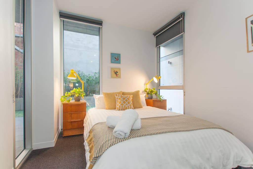 Boasting a 2-bedroom unit with queen-sized beds