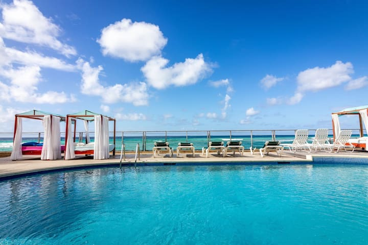 St Lawrence Beach Condos - Calypso Poolside Suite