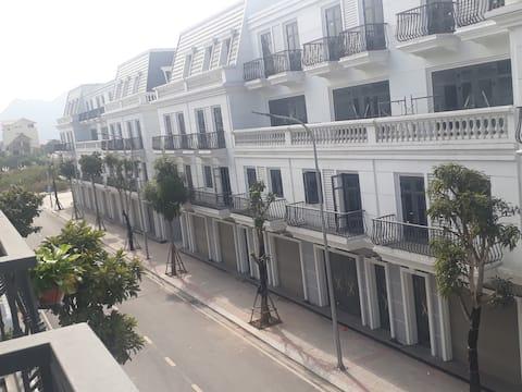 Căn hộ 2 phòng ngủ trung tâm Vinhome Cẩm Phả