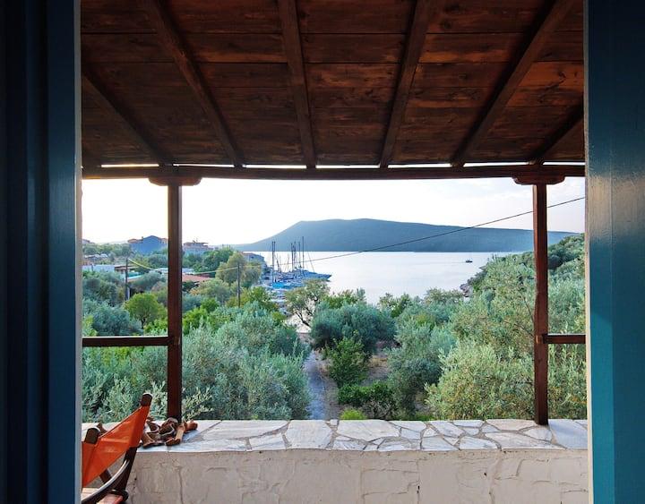 Limani cottage Steni Vala