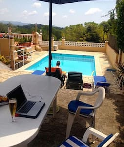 cozy little house with pool close to Sitges - Can Trabal - Hus