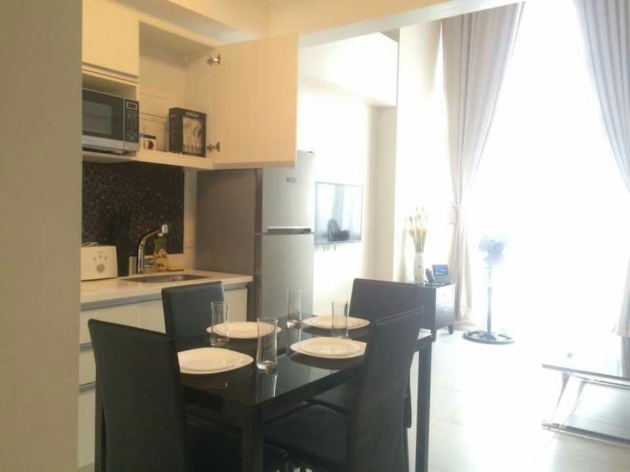 Lounge/Dining area.