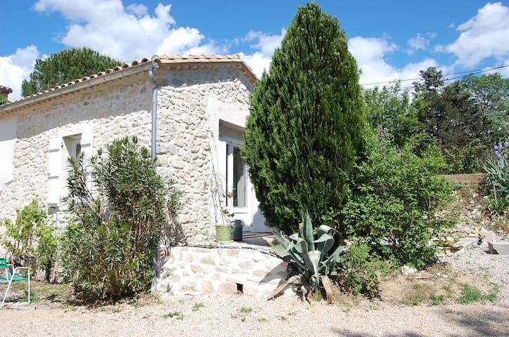 petite maison en pierre - Laroque - Huis
