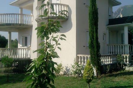 Romantic Villa Greca - Gardiki