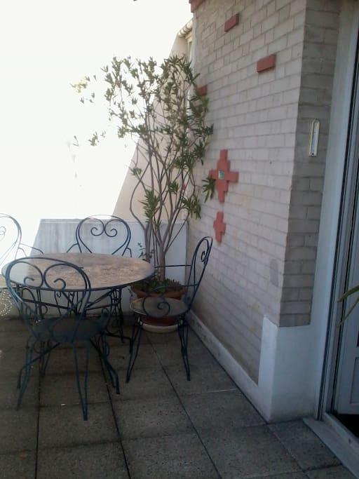La terrasse au soleil à partir de 11h