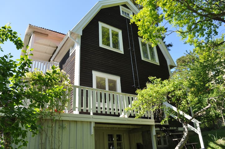 Beautiful classic house from 1906 with all modern facilities - Porch with bbq facilities