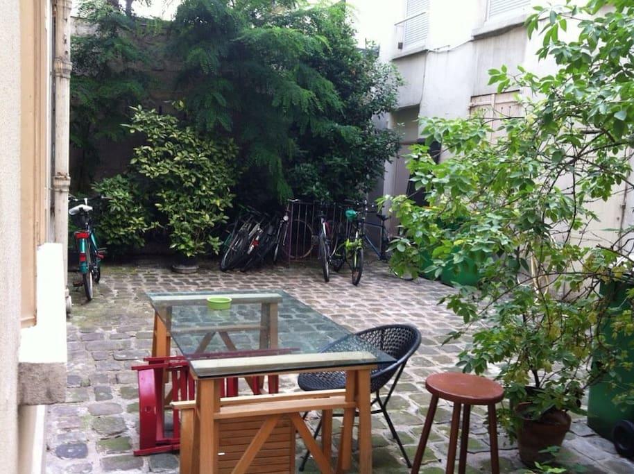 Rez de chauss e sur cour bastille apartments for rent in paris le de fr - Rez de chaussee paris ...