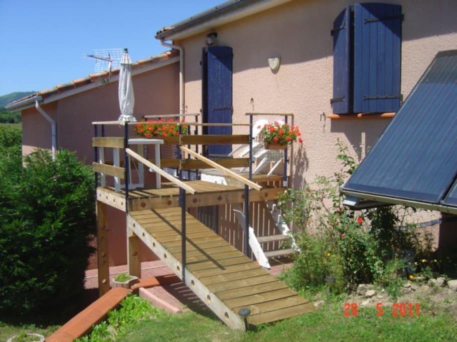 Accès avec balcon pour chambre simple