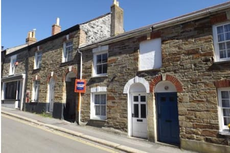 Traditional Cornish Cottage in Center of Truro - Truro - Reihenhaus