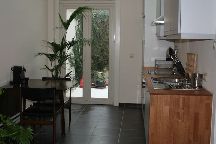 1-bedroom apartment with court yard - Antverpy - Byt