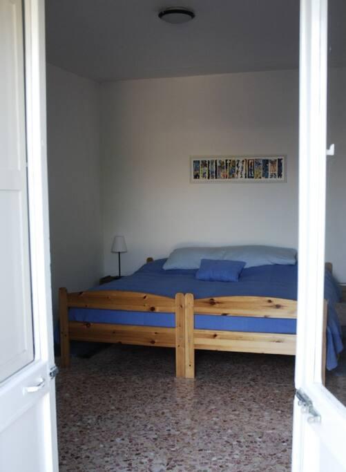 Betten im Balkonzimmer