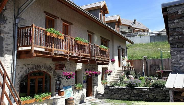 La Roche Méane - Large house renovated architecture typical of the Alps