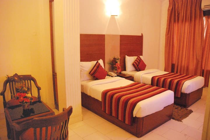 Exotic Clean Stay in C R  Park - New Delhi