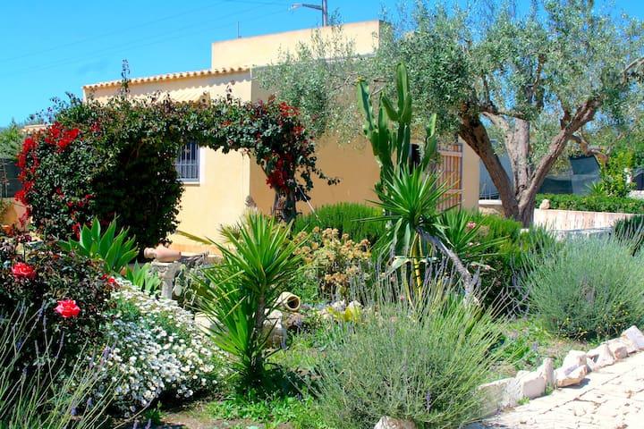 """Small cottage """"Isola di Vendicari"""""""