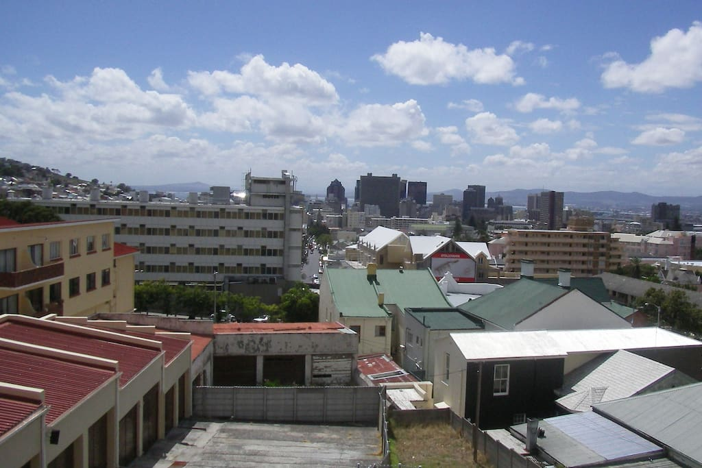 View over CBD, Table Bay, up to Blouwberg