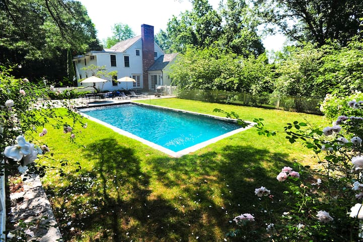 Roxbury 5BR Country House w/Pool-Great Scenic Road - Roxbury - 一軒家