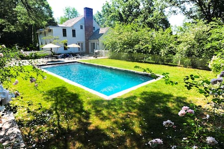 Roxbury 5BR Country House w/Pool-Great Scenic Road - Roxbury