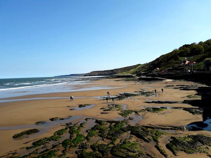 Steps away to beautiful sea views. Free parking