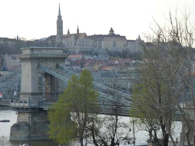 Panorama at the Chain Bridge - Budapest - Huoneisto