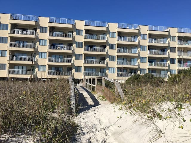 Prime Location-Oceanfront Condo - Carolina Beach - Byt