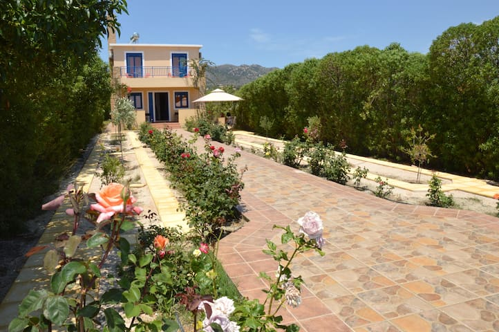 Relax and Comfort Family Villa,4bedrooms near sea