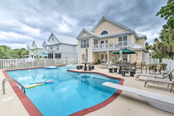 NEW! Resort Home Venue w/ Golf Cart, Beach Access!