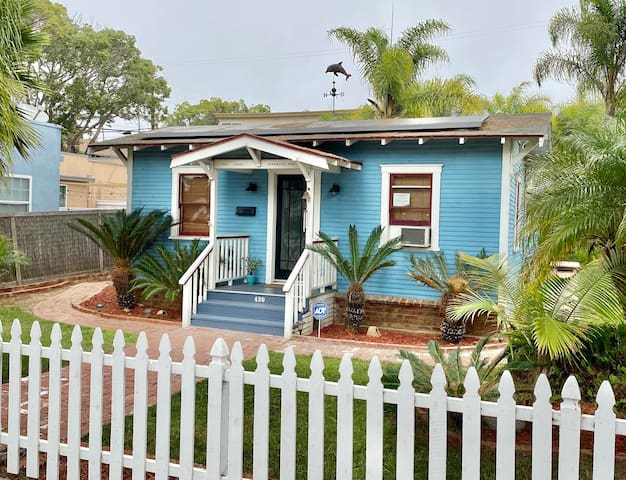 Beach Bungalow w/ Hot Tub *Sanitized Home*