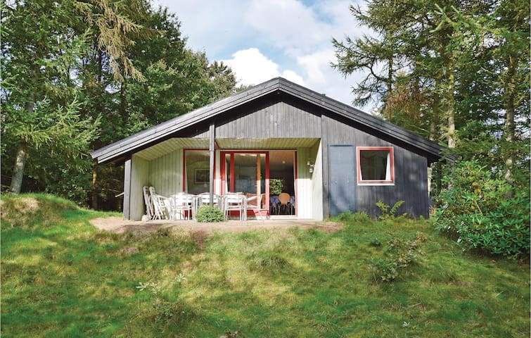 Holiday cottage with 4 bedrooms on 80m² in Tim