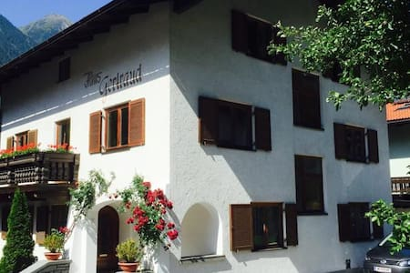 Traditional Guesthouse Haus Gertraud - Oetz
