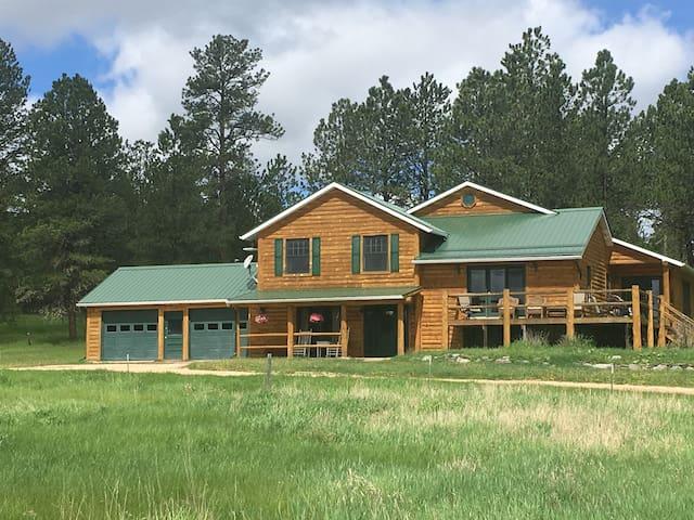 Whitetail Meadows Lodge