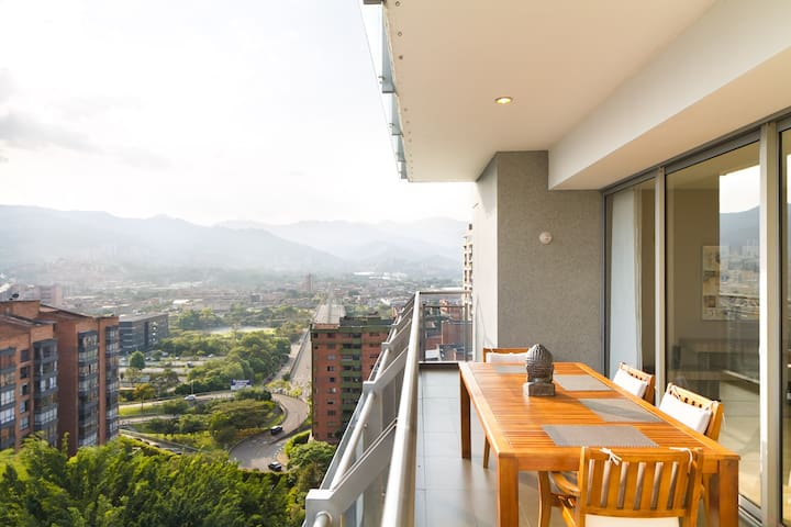 AMAZING VIEWS ** 2.5 BR ** BEST LOCATION MILLA ORO